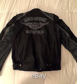 Harley-Davidson Men`s Classic Cruiser Leather Jacket 98140-10VM