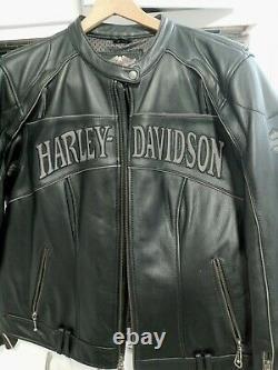 Leather Harley Davidson Jacket worn 2 times